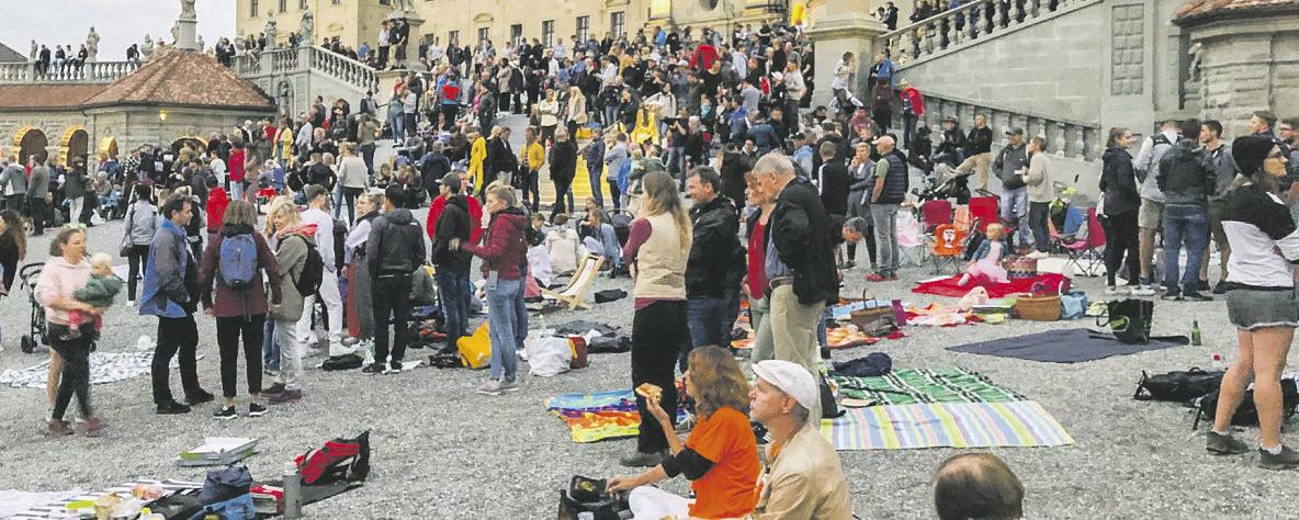 Rund 500 Personen demonstrierten  gegen die Corona-Massnahmen