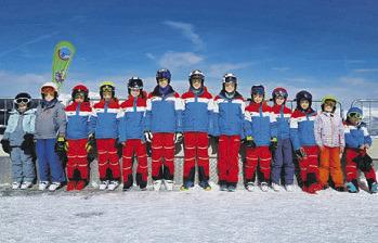 Zwei Skiclubs auf dem Gletscher